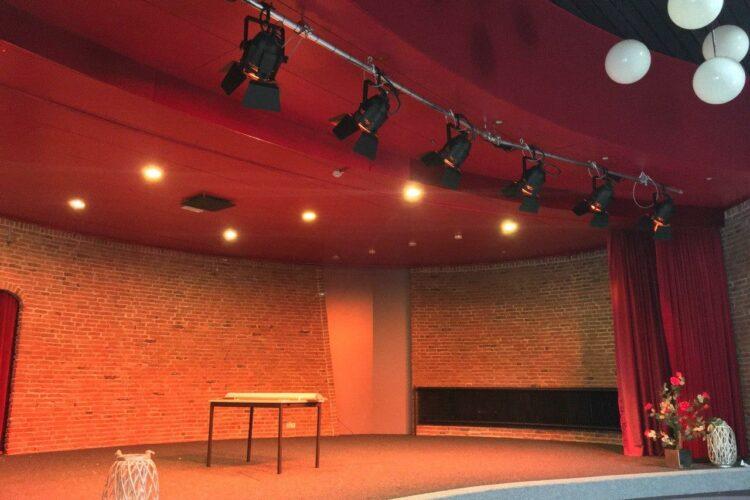 Theaterinstallatie dorpshuis de heugte