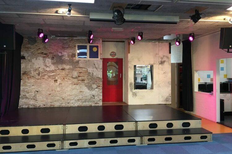 Theaterinstallatie Agnesschool